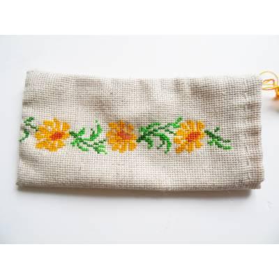 Патриотический чехол  для мобильного телефона с вышивкой, цветы