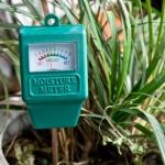 Прибор для определения влажности почвы