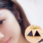 Женские сережки черные треугольники с золотой каймой